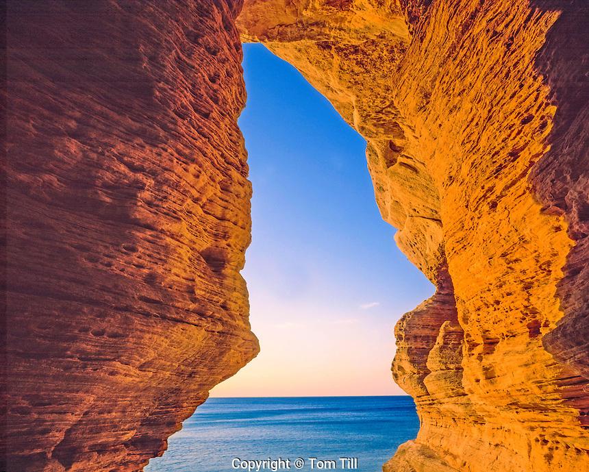 Chapel Beach Arch, Pictured Rocks National Lakeshore, Lake Superior, Michigan