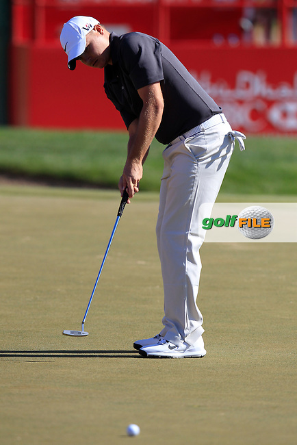 James Morrison (ENG) takes his putt on the 17th green during Friday's Round 2 of the Abu Dhabi HSBC Golf Championship at Abu Dhabi Golf Club, 18th January 2013 (Photo Eoin Clarke/www.golffile.ie)