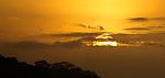 La isla de Ícaro / atardecer en Saboga, Archipiélago de Las Perlas / Panamá.<br /> <br /> Panorámica de 2 fotografías.<br /> <br /> Edición de 10 | Víctor Santamaría.