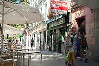 Walking in Madrid, Bar Revuelta