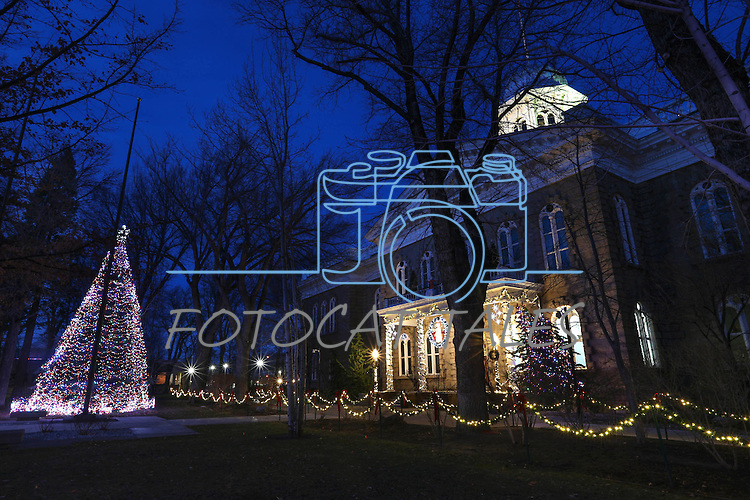 Christmas lights on the Capitol, in Carson City, Nev., on Sunday, Dec. 27, 2014.<br /> Photo by Cathleen Allison