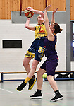 2018-02-18 / Basketbal / Seizoen 2017-2018 / Okido Arendonk - Grimbergen / Michiels (Okido) probeert te scoren tegen Kovaleni<br /> <br /> ,Foto: Mpics.be