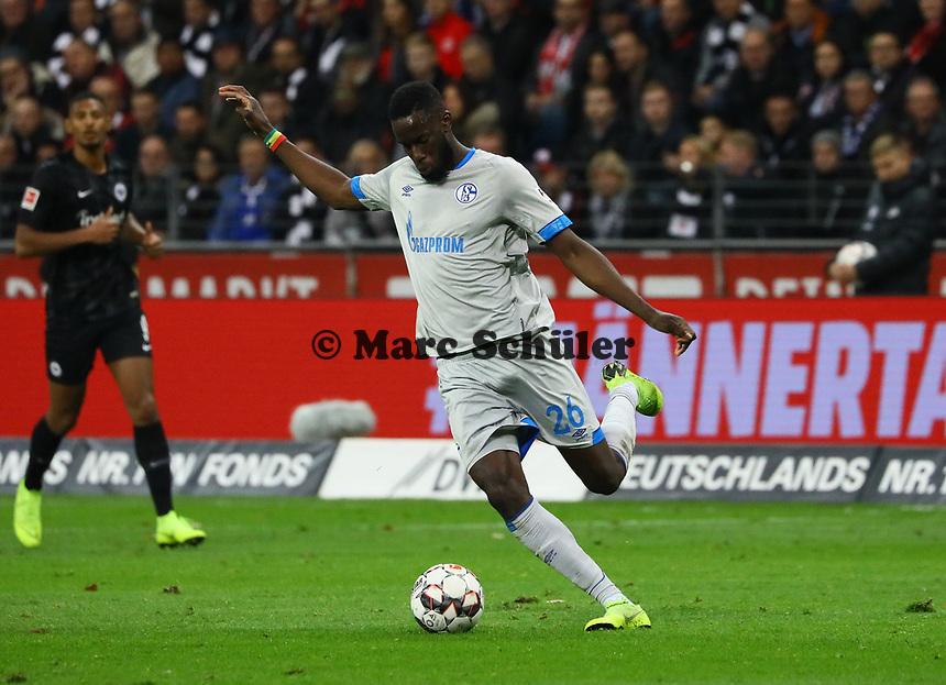 Salif Sane (FC Schalke 04) - 11.11.2018: Eintracht Frankfurt vs. FC Schalke 04, Commerzbank Arena, DISCLAIMER: DFL regulations prohibit any use of photographs as image sequences and/or quasi-video.