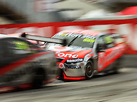 Craig Lowndes chases hard through the holden Hairpin during Race Two during Day Three of the Hamilton 400 Aussie V8 Supercars Round Two at Frankton, Hamilton, New Zealand on Sunday, 19 April 2009. Photo: Dave Lintott / lintottphoto.co.nz