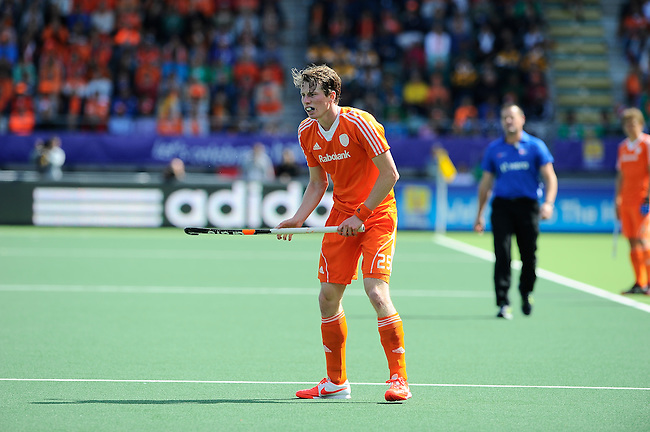The Hague, Netherlands, June 15: oh25+ looks on during the field hockey gold match (Men) between Australia and The Netherlands on June 15, 2014 during the World Cup 2014 at Kyocera Stadium in The Hague, Netherlands. Final score 6-1 (2-1)  (Photo by Dirk Markgraf / www.265-images.com) *** Local caption ***
