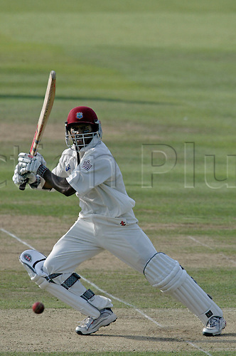 23 July 2004: West Indian batsman Shivnarine Chanderpaul batting during day 2 of the first test between England and the West Indies at Lords. Photo: Neil Tingle/actionplus..040723 man men cricket cricketer
