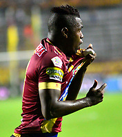 IBAGUE - COLOMBIA, 23-03-2019: Marco Pérez de Deportes Tolima celebra el gol anotado a Unión Magdalena, durante partido entre Deportes Tolima y Unión Magdalena de la fecha 11 de la Liga Águila I 2019, jugado en el estadio Manuel Murillo Toro de la ciudad de Ibague. / Marco Perez of Deportes Tolima celebrates a scored goal to Union Magdalena, during a match between Deportes Tolima and Union Magdalena of the 11th date for the Aguila League I 2019, played at Manuel Murillo Toro stadium in Ibague city. Photo: VizzorImage / Juan Carlos Escobar / Cont.