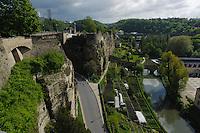 Blick von Corniche auf Bock-Kasematten und Alzette, Stadt Luxemburg, Luxemburg, Unesco-Weltkulturerbe