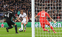 Harry Kane of Tottenham Hotspur has a shot at goal during the UEFA Champions League Group H match between Tottenham Hotspur and Real Madrid at Wembley Stadium on November 1st 2017 in London, England. Foto Phc / Panoramic / Insidefoto