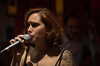 Marie-Laure Célisse (vocal) at Osmoz café, bar, restaurant, 33 rue de l'ouest, Paris. Thursday 5th January 2017.