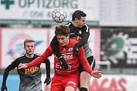 FC GULLEGEM - RC GENT :<br /> Seppe De Langhe (R) klimt hoger dan Robbe Dekiere (L)<br /> <br /> Foto VDB / Bart Vandenbroucke