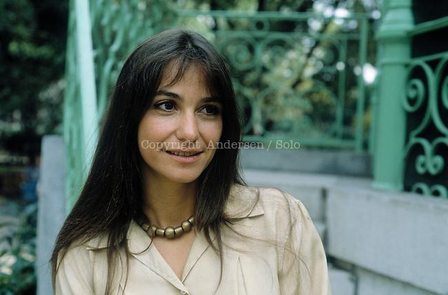 Raphaelle Billetdoux, French writer (Marie Billetdoux)