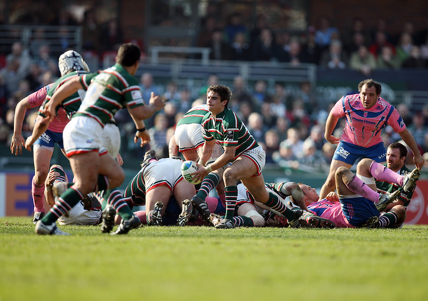 Photo: Rich Eaton..Leicester Tigers v Stade Francais. Heineken Cup. 01/04/2007. Harry Ellis of Leicester passes.