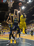 "02.06.2019, EWE Arena, Oldenburg, GER, easy Credit-BBL, Playoffs, HF Spiel 1, EWE Baskets Oldenburg vs ALBA Berlin, im Bild<br /> William""Will"" CUMMINGS (EWE Baskets Oldenburg #3 ) Martin HERMANNSON (ALBA Berlin #15 ) Joshiko SAIBOU (ALBA Berlin #1 )<br /> <br /> Foto © nordphoto / Rojahn"
