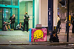 © Joel Goodman - 07973 332324. 26/09/2017. Brighton, UK. Police attend to reports of a fight in Steine Gardens in the Kemptown area of the city . Revellers at the end of a night out in Brighton during Freshers week , when university students traditionally enjoy the bars and clubs during their first nights out in a new city . Photo credit : Joel Goodman