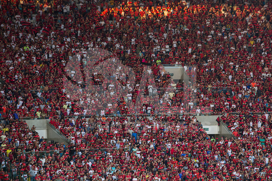 RIO DE JANEIRO, RJ, 07.05.2017 - FLAMENGO-FLUMINENSE - Torcida do Flamengo durante o segundo jogo da final do Campeonato Carioca 2017, contra o Fluminense, no estádio do Maracnã, neste domingo, 7. (Foto: Gustavo Serebrenick/Brazil Photo Press)