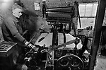 Tweed Scotland cloth weaving on old fashioned domestic flying shuttle hand loom weaver at work 1970s, Callanish, Isle of Lewis Outer Hebrides  Highlands and Islands Scotland UK 1974
