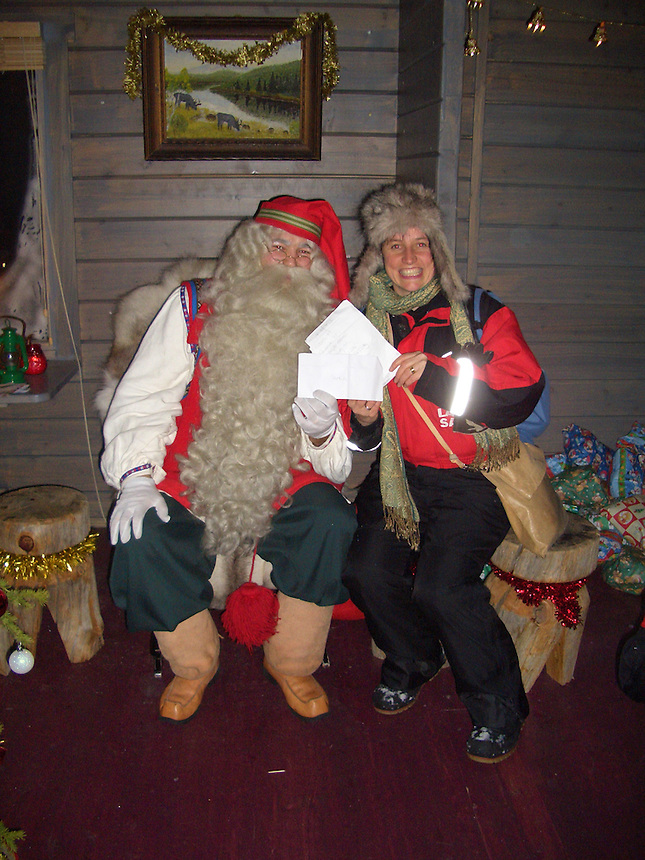 LAPLAND TRIP WITH NOEL EDMONDS CHRISTMAS PRESENT ON SKY. WAR WIDOWS CHILDREN MEET SANTA...PIC JAYNE RUSSELL.9.12.07