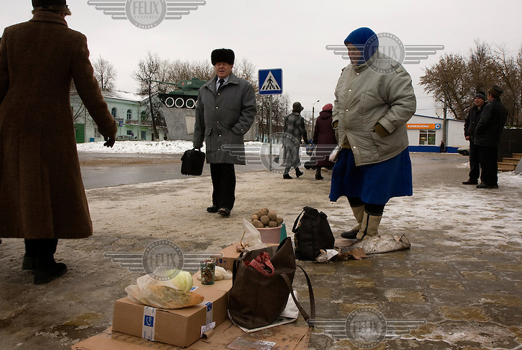 Two women sell vegetables in the town of Ludinovo, near the city of Kaluga southwest of Moscow. .Picture by Justin Jin.