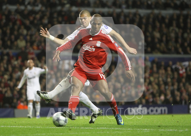 Ryan Babel takes on Pepe during the Champions League Round of 16, Second Leg match between Liverpool and Real Madrid at Anfield on March 10, 2009 in Liverpool, England