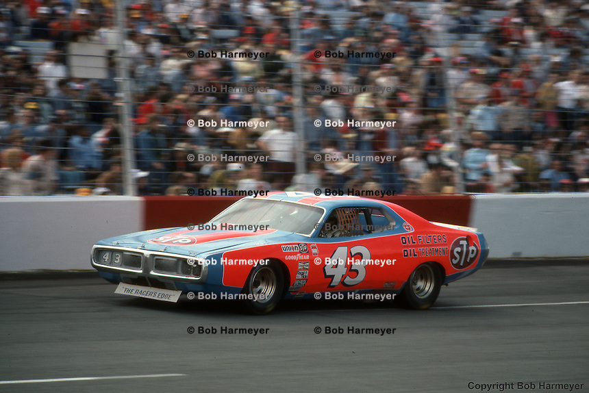Richard Petty on the front straight of Atlanta Motor Speedway during the 1976 NASCAR Winston Cup race.