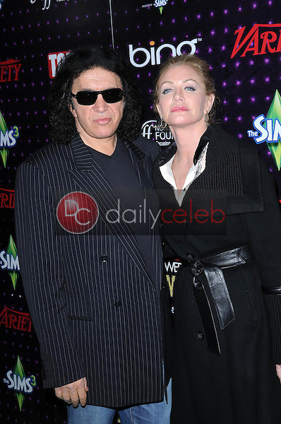 Gene Simmons and Shannon Tweed<br />