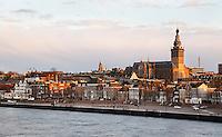 Nederland Nijmegen 2016 02 25.  Nijmegen in de avondzonl.  Foto Berlinda van Dam / Hollandse Hoogte