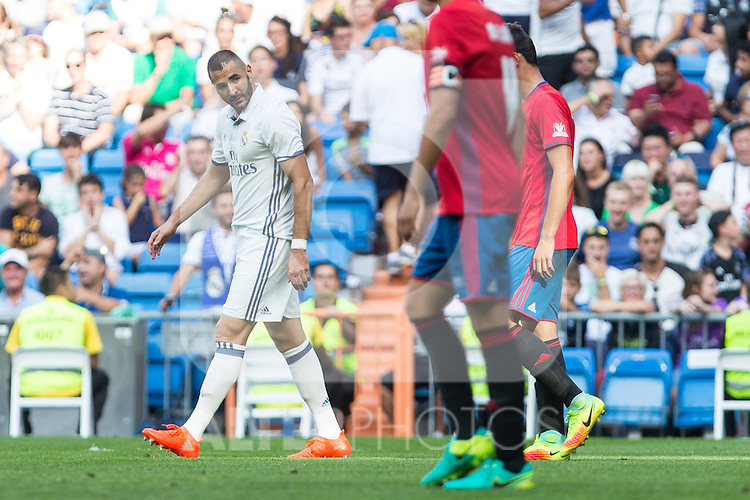 Real Madrid's Karim Benzema during the match of La Liga between Real Madrid and Club Atletico Osasuna at Santiago Bernabeu Estadium in Madrid. September 10, 2016. (ALTERPHOTOS/Rodrigo Jimenez)