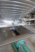 screw and pump to empty a tank herdade do esporao alentejo portugal