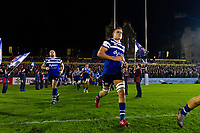 Tom Ellis and the rest of the Bath Rugby team run onto the field. Gallagher Premiership match, between Bath Rugby and Exeter Chiefs on October 5, 2018 at the Recreation Ground in Bath, England. Photo by: Patrick Khachfe / Onside Images
