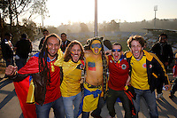 VIÑA DEL MAR - CHILE - 26-04-2015: Hinchas de Colombia, animan a su equipo, durante partido Colombia y Argentina, por los cuartos de final, de la Copa America Chile 2015, en el estadio Sausalito en la Ciudad de Viña del Mar / Fans of Colombia, cheer for their team during a match between Colombia and Argentina, for the quarterfinals of the Copa America Chile 2015, in the Sausalito stadium in Viña del Mar city. Photos: VizzorImage /  Photosport / Andres Piña / Cont.