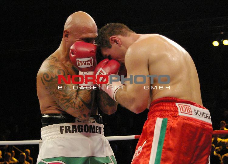 WBC-Weltmeisterschaft Cruisergewicht<br /> <br /> Zsolt Erdei vs. Giacobbe Fragomeni<br /> <br /> Giacobbe Fragomeni (links), Zsolt Erdei (rechts)<br /> <br /> <br /> <br /> <br /> Foto &copy; nph (  nordphoto  )