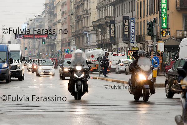 Milano 3 febbraio 2016,  Corso Buenos Aires , una delle zone di Milano di maggior concentramento dello smog