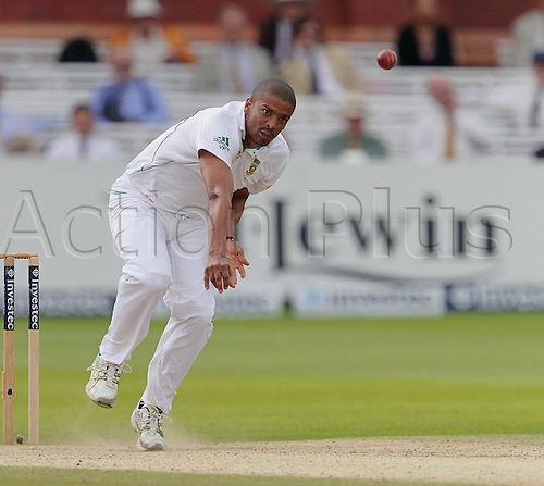 20.08.2012 London, England. Vernon Philander in bowling action during day five of the third test between England and South Africa from Lords.