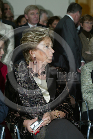 BRUSSELS - BELGIUM - 17 NOVEMBER 2005 --  Queen PAOLA of Belgium.  PHOTO: ERIK LUNTANG / EUP-IMAGES..