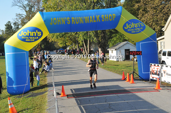 2016 Iron Horse Half Marathon<br /> Midway, Kentucky October 16<br /> Photo by Daniel Johnson<br /> <br /> To download complimentary Small or Medium size files, use the password &quot; john 35 &quot;. Larger size digital files and prints are available for purchase. You do not need a Photoshelter or PayPal account but the ordering process is streamlined if you have them.