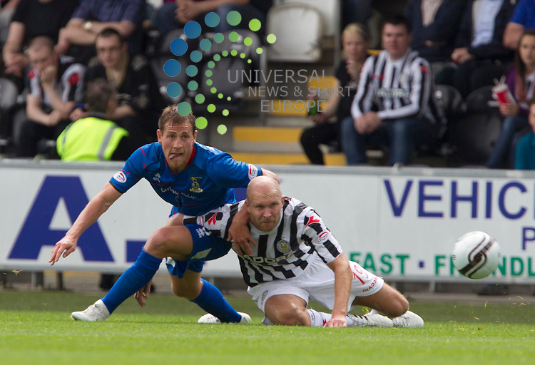 Sam Parkin takes on Gary Warren of Inverness during the St Mirren v inverness  at St Mirren Park.Picture: Maurice McDonald/Universal News And Sport (Europe). 4 August  2012. www.unpixs.com.
