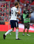 A dejected Harry Kane of Tottenham Hotspur at the end of the FA cup semi-final match at Wembley Stadium, London. Picture date 21st April, 2018. Picture credit should read: Robin Parker/Sportimage
