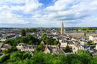 France, Loir-et-Cher (41), Vendôme, vue sur la ville et l'abbaye depuis le jardin du château // France, Loir et Cher, Vendome,