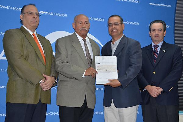 Cámara Americana de comercio y la Fundación  Inter Americana activan su plan de donaciones para proyectos comunitarios..Foto:Carmen Suárez/acento.com.do.Fecha:28/11/2012.