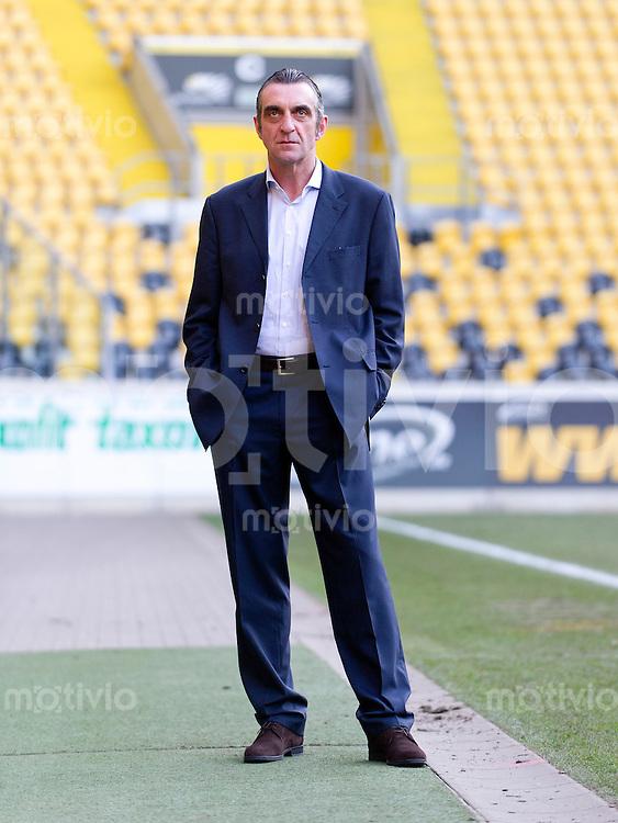 Fussball, 2. Bundesliga, Saison 2013/14, SG Dynamo Dresden. Dresdens neuer Geschaeftsfuehrer Sport, Ralf Minge, aufgenommen am Mittwoch (12.02.14) im Stadion.