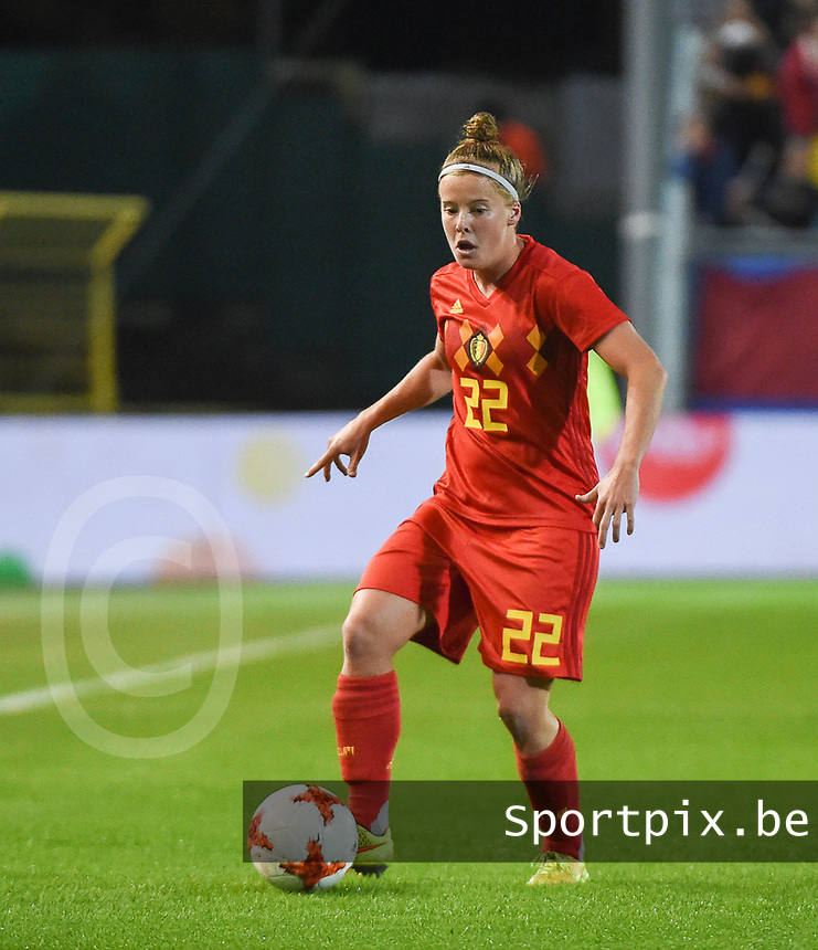 20181005 - LEUVEN , BELGIUM : Belgian Laura Deloose pictured during the female soccer game between the Belgian Red Flames and Switzerland , the first leg in the semi finals play offs for qualification for the World Championship in France 2019, Friday 5 th october 2018 at OHL Stadion Den Dreef in Leuven , Belgium. PHOTO SPORTPIX.BE | DIRK VUYLSTEKE
