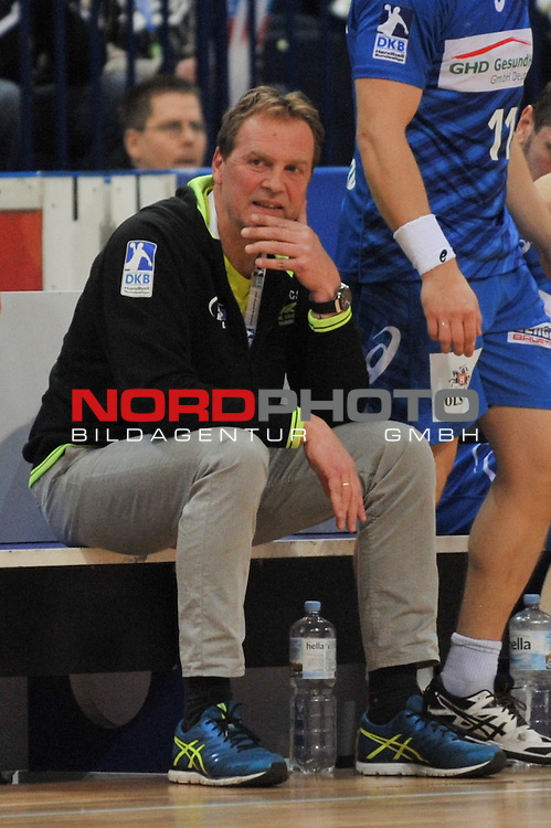 09.12.2015,  Barcleycard Arena, Hamburg, GER, HBL, HSV Handball vs Fuechse Berlin, im Bild Christian Fitzek (Hamburg) auf der Bank/ Foto © nordphoto / Witke *** Local Caption ***
