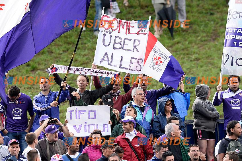 Fiorentina Supporters for Mario Gomez <br /> Moena (Trento) 20.7.2013 <br /> Football Calcio 2013/2014 Serie A<br /> Ritiro precampionato FC Fiorentina  <br /> FC Fiorentina  pre season training<br /> Foto Daniele Buffa / Image Sport / Insidefoto