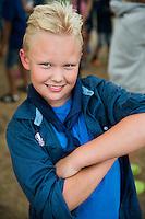 20140805 Vilda-l&auml;ger p&aring; Kragen&auml;s. Foto f&ouml;r Scoutshop.se<br /> scout, dag, ler, armar i kors