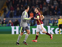 FUSSBALL CHAMPIONS LEAGUE  SAISON 2015/2016 ACHTELFINAL HINSPIEL AS Rom - Real Madrid                 17.02.2016 Francesco Totti (re, AS Rom) und Cristiano Ronaldo (Real Madrid)