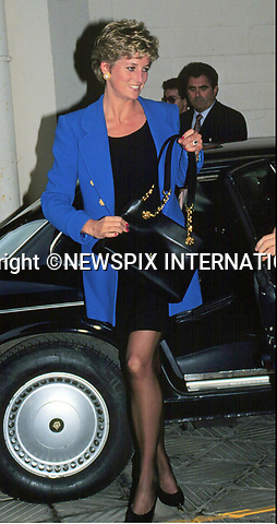 30.11.1994; Paris, France: PRINCESS DIANA <br /> with Mrs Mitterand at the Elysees Palace, Paris<br /> Mandatory Credit Photo: &copy;Francis Dias/NEWSPIX INTERNATIONAL<br /> <br /> (Failure to credit will incur a surcharge of 100% of reproduction fees)<br /> IMMEDIATE CONFIRMATION OF USAGE REQUIRED:<br /> Newspix International, 31 Chinnery Hill, Bishop's Stortford, ENGLAND CM23 3PS<br /> Tel:+441279 324672  ; Fax: +441279656877<br /> Mobile:  07775681153<br /> e-mail: info@newspixinternational.co.uk<br /> Please refer to usage terms. All Fees Payable To Newspix International