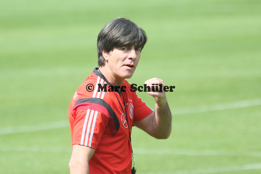 Bundestrainer Joachim Löw pfeifft ab - Trainingslager der Deutschen Nationalmannschaft zur WM-Vorbereitung in St. Martin