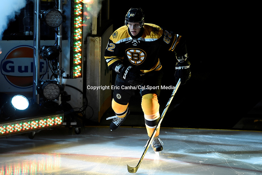 Thursday, October 8, 2015: Boston Bruins defenseman Zach Trotman (62) takes the ice for the season opening game between the Winnipeg Jets and the Boston Bruins held at TD Garden, in Boston, Massachusetts. Winnipeg defeated Boston 6-2 in regulation time. Eric Canha/CSM