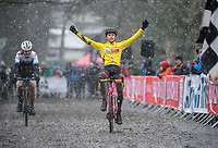 Picture by Allan McKenzie/SWpix.com - 10/12/17 - Cycling - HSBC UK National Cyclo-Cross Championships - Round 5, Peel Park - Bradford, England - Cameron Mason takes victory in the Men's junior race.
